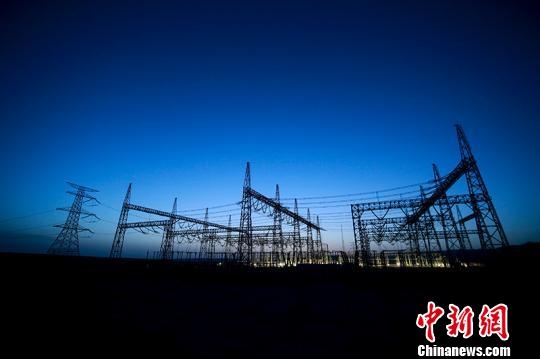 工程有力推动了南疆千万千瓦级光伏新能源在更大范围内开发和消纳。