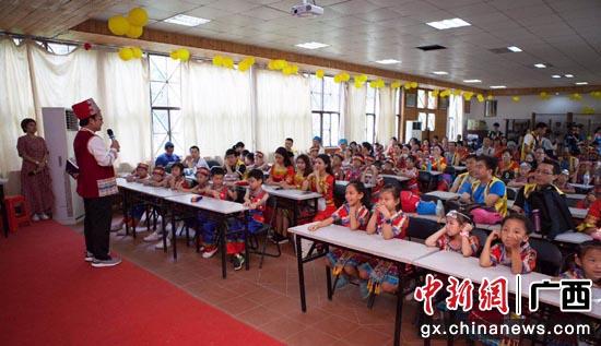 广州小学生组团来南宁学唱图片v图片山歌非遗壮乡小学的校花大全图片