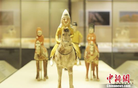 新疆文物精品展亮相国博 一览万里同风丝路与共