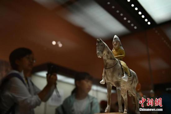 """""""万里同风——新疆文物精品展""""亮相国博"""