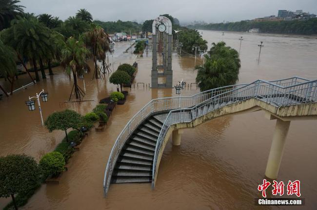 桂林漓江六天出现三次超警洪峰