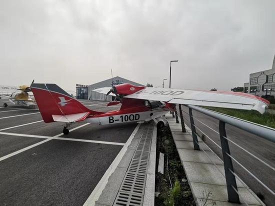 水上飞机  南太湖公安提供