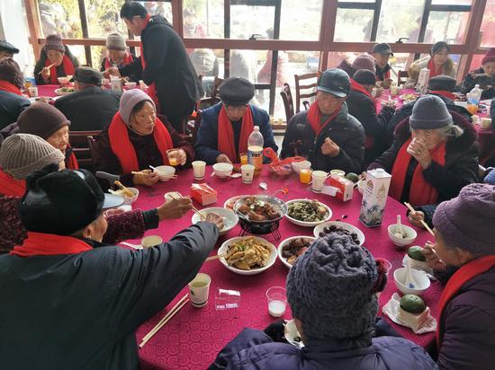 仙潭村百寿宴 施紫楠