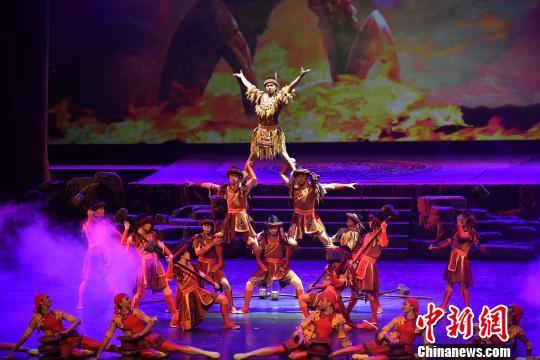 第十屆全國雜技展演在南寧開幕 雜技劇《百鳥衣》亮相