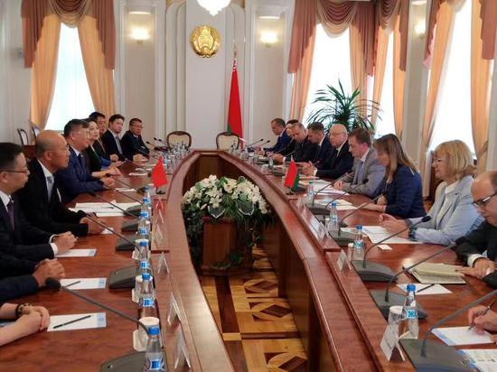 绿地与白俄罗斯签约三年采购额5亿美元 升温