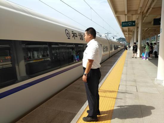7月义乌站共发送旅客123.19万人  斯多林 摄