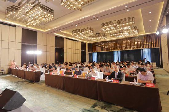 2019年度债券市场中期论坛在杭州市江干区举办。主办方 供图