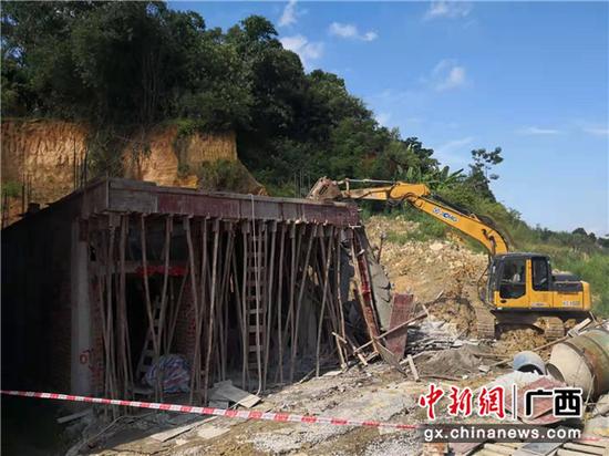 广西南宁高新区_南宁高新区依法拆除西津村违法建设--中新网广西新闻