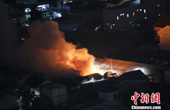 印尼首都雅加達火災頻發 消防車被堵影響滅火
