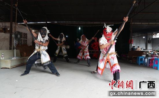 传统大王祭祀舞表演