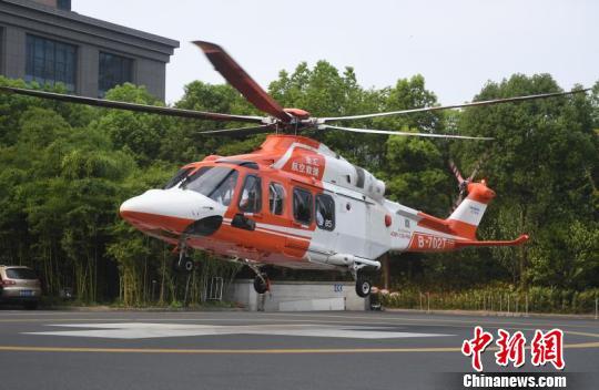 浙江隧道事故3名危重儿童转至杭州 争分夺秒