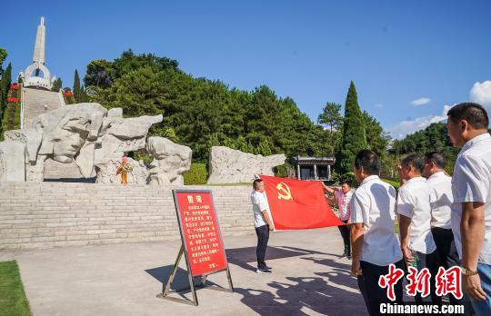 """广西北部湘江沿岸掀起""""红色旅游""""热 暑期接待游客量逾百万"""