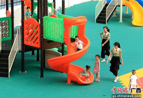 广西融安搬迁贫困户子女新学期家门口上新幼儿园