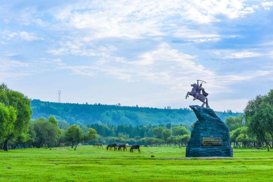 图为阿木尔林业局萨布素军马场夏季美景。
