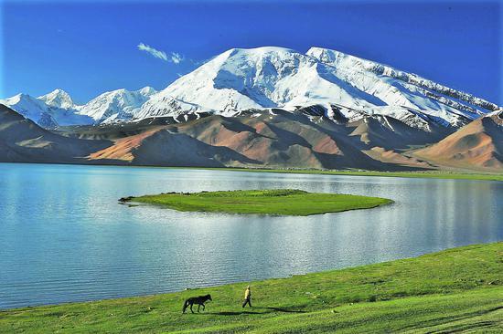 壮美的慕士塔格峰