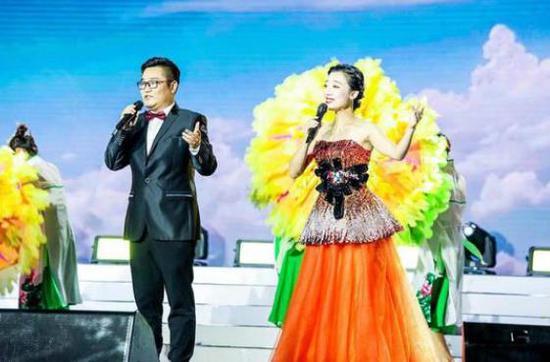 建德举办庆祝新中国成立70周年晚会 1000余人