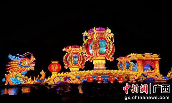 图为灯展活动现场。冯丹丹 摄