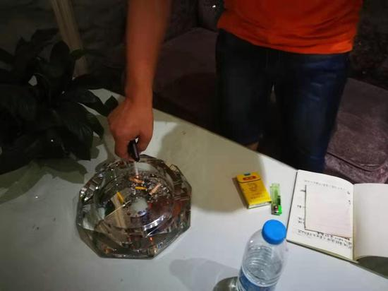 武义某酒店对吸烟者在该酒店大堂内吸烟不予劝阻、制止被罚款500元。武义提供