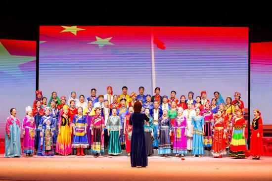 大合唱《我和我的祖国》  主办方提供