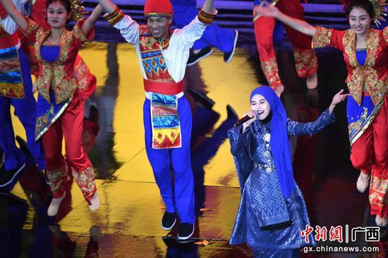 中外新生代歌手南宁国际民歌节展民歌魅力