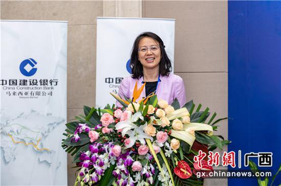 中国建设银行国际业务部副总经理胡波飞致辞。