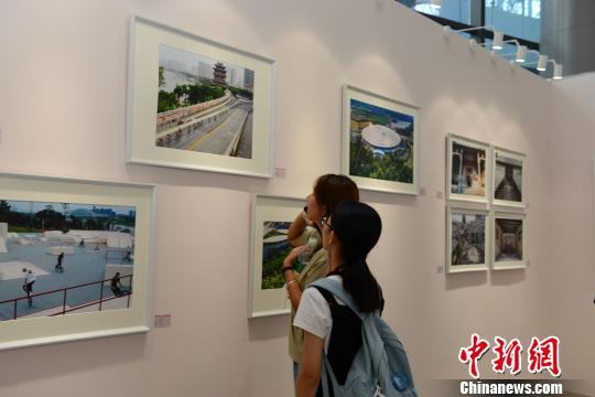 中国—东盟青年艺术品创作大赛获奖作品展开展