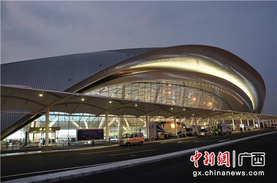 中国建设银行广西区分行支持的南宁吴圩国际机场新航站楼。