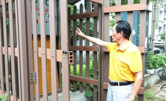 蒋国树数年如一日守护着社区排涝泵站 杨飞云 摄