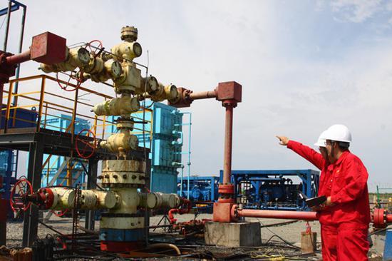 喷出日产原油1213立方米、天然气32.17万立方米的高产油气流,创中国陆上碎屑岩产量最高纪录的高探1井。(资料图)
