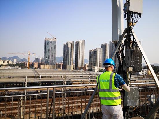 广西移动工作人员交通枢纽高负荷区域进行网络调整优化