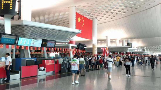 杭州机场。 钱晨菲 摄