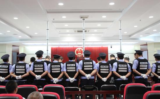 """宁夏公开审理银川第二起""""套路贷""""涉恶案件"""