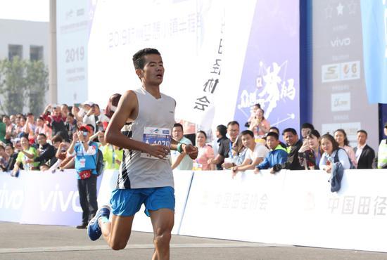 图为:中国选手肖佐华。 实习生王伟臣供图