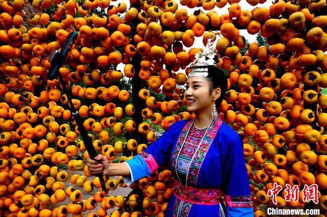 广西恭城瑶圩开圩 少数民族特色活动吸引游客