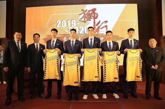 CBA新賽季啟程在即 浙江廣廈男籃力爭季后賽