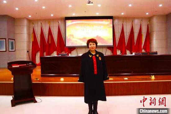 生前新疆玛纳斯县女法官李雪红。新疆红十字眼组织库供图