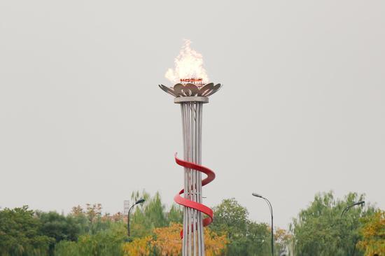 火炬塔。  校方提供