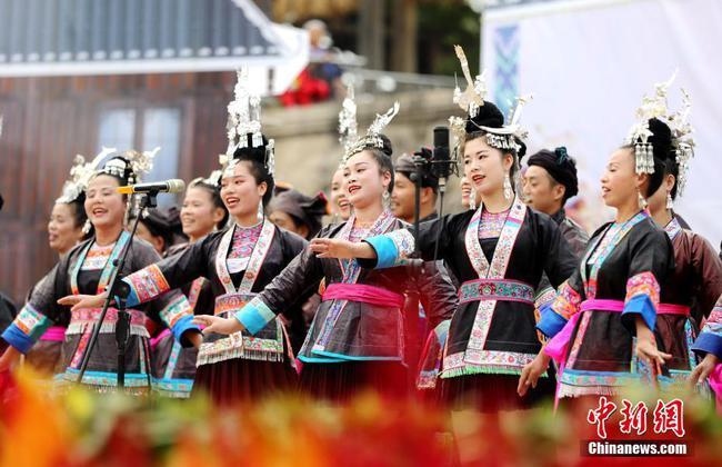 """广西侗乡欢庆""""多耶节"""" 唱响非遗侗族大歌"""