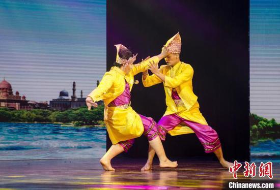 圖為馬來西亞傳統武術表演。 翟李強 攝