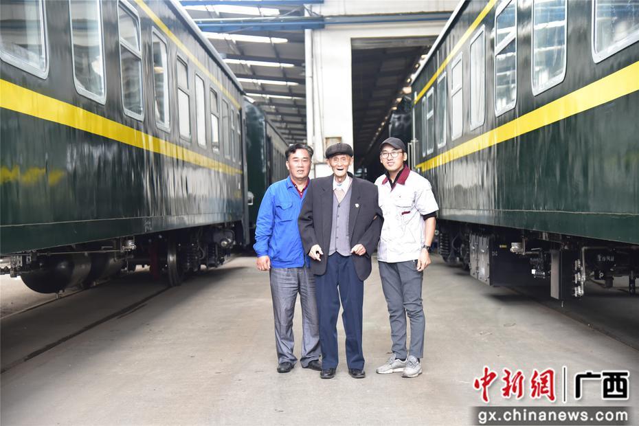 廣西一家三代人執著修火車 見證西南機車維修大廠73年變遷