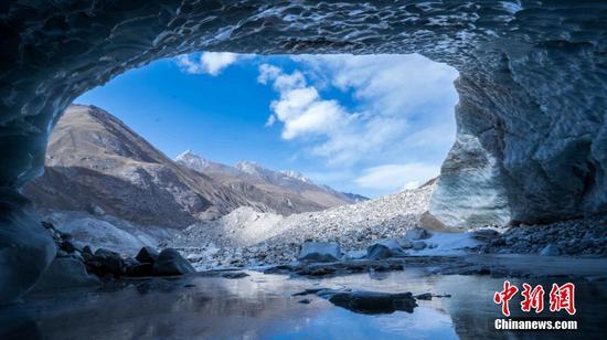 """美得讓人窒息!來看神奇的新疆昭蘇""""天山冰洞"""""""