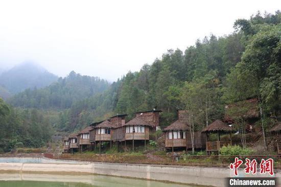 图为广西金秀瑶族自治县平道村古占盘王生态园景色。 陈秋霞 摄