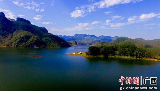 天蓝水碧  生态柳江。柳江融媒体中心供图