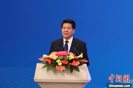 图为中国政府欧亚事务特别代表李辉致辞。 中新社记者 蒋启明 摄