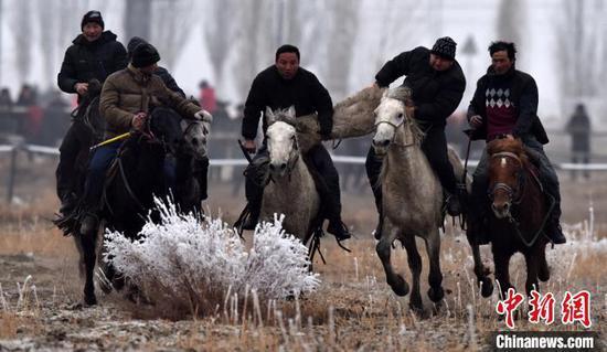 新疆巴州冬季民间体育活动吸引民间高手参加