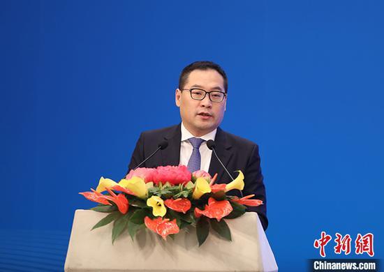图为中俄地区合作发展投资基金董事长王峰致辞。 中新社记者 蒋启明 摄