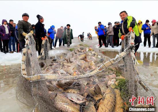 """新疆博湖第十二届冰雪节将启动 """"冰雪娱乐大巴扎""""迎八方客"""