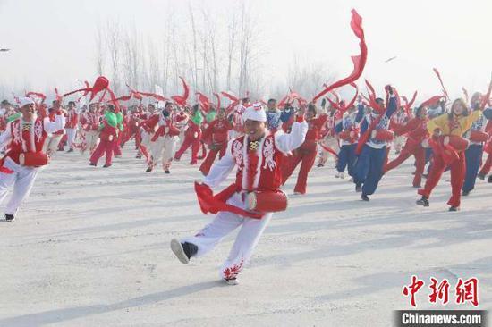 新疆沙雅县冬春学问旅游节暨冬季运动会开幕