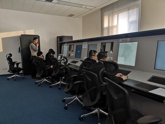 新疆空管局空管中心区域管制中心完成初级教员选拔工作。