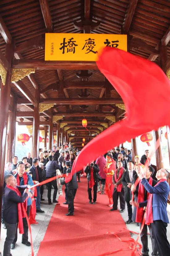 百年廊桥涅槃重生 浙江泰顺建成中国最长木拱廊桥 泰顺县委宣传部供图